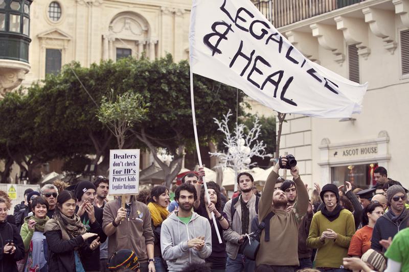 Los países consumen cannabis en todo el mundo dinero legalización
