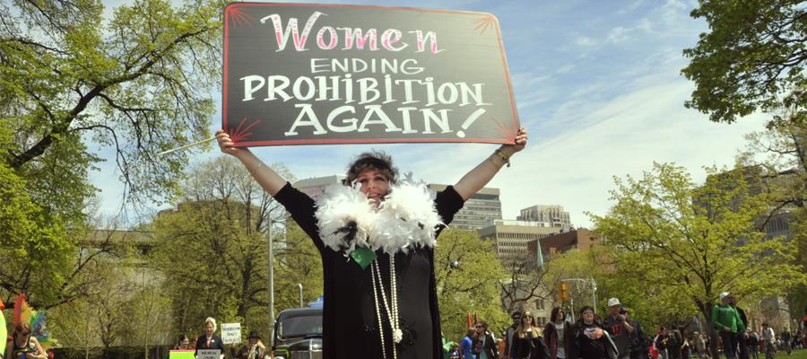 Feminismo feminismo cannabis líder revolución legalización