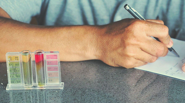 Kits de pruebas con tablas de colores